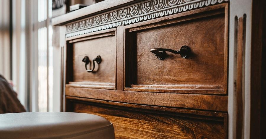 Renovácia nábytku – ako opraviť nábytok rýchlo a lacno?